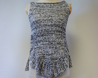 Summer knitted salt&pepper boucle top, M size. Only one sample.