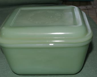 Fire King Green Jadeite Refrigerator Dish with Lid Philbe Design