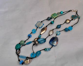 Blue Chunky Double  Strand Knotted Neclace