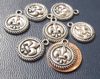 12 Fleur de Lis Charms, Antique Silver 19x15mm C1244 B17
