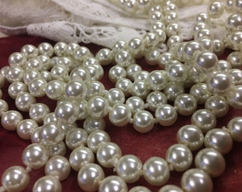 Vintage 88 inch single strand of faux pearls
