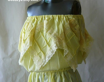 Vintage Romantic Strapless Mexican Dress / small size 4 6 8 10 / Pintuck Lace FIESTA / Pastel Yellow Summer Cotton Off Shoulder
