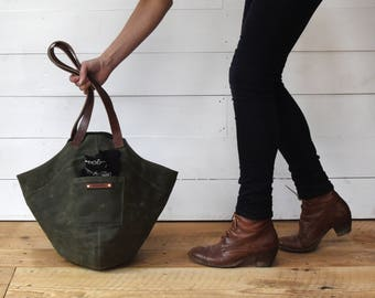 Wax Canvas Gatherer Bag in Moss, Waxed Canvas Bag, Waxed Canvas Tote Bag, Bucket Bag, Canvas Daybag, Purse, Peg and Awl