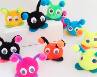 Soft Warm Fuzzies / Warm Fuzzy Pom Pom Critters / Quiet Creatures with antenna (Set of 30)