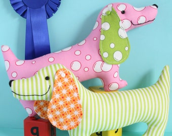 Best in show dog sewing pattern,sausage dog pattern, plush dog, plush pdf pattern, dog PDF, wiener dog, sausage dog, sausage dog toy,