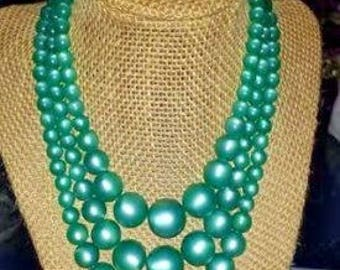 Vintage Green Triple Strand Graduated Moon Glow Necklace Thermoset/Lucite