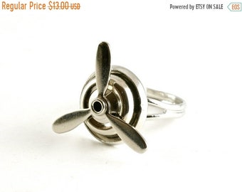 20%OFF SALE Silver Spinning Propeller Ring, Aviation Jewelry, Helicopter Ring, Travel Jewelry, Novelty Ring, Adjustable Ring