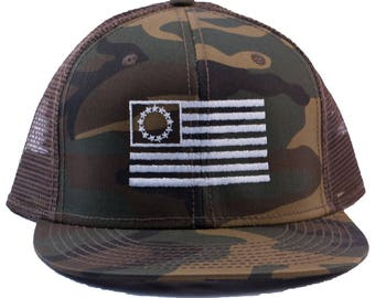 13 Colony Flag Embroidered Camouflage Mesh-Back Hat/Cap