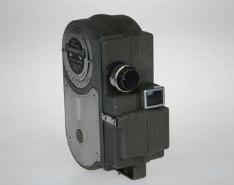 Vintage Cinemaster II - 8MM Movie Camera - Model G-8 Cine