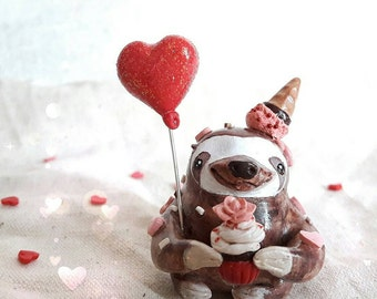 Valentine's day gift. Sloth figurine falled in love. One of a kind