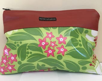 Floral print laminated zipper bag