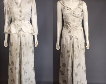 1940s evening gown in silk lamé damask with matching jacket