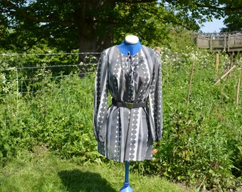 1970s Reproduction Smock Top -Black and White size 12