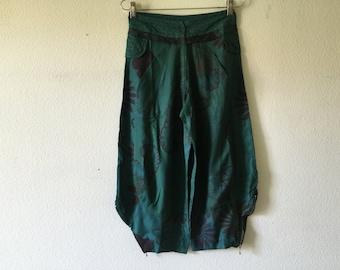 FREE SHIPPING - Vintage 80s Capri Pants