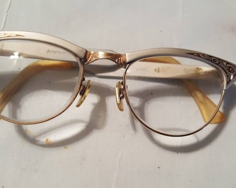 Women's Cat Eye Glasses / Vintage / Gold Filled / American Optical / A MUST!!