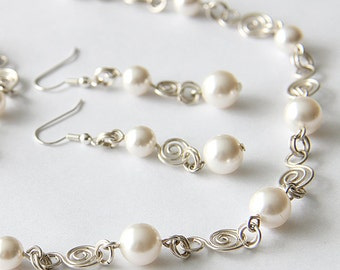 Bridal Jewelry Set, Swarovski Pearl Bridal Jewelry Set, Necklace Earrings Bracelet SET, Wire  art. 151 Levita