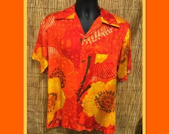 Vintage 1960s Hawaiian shirt Size medium