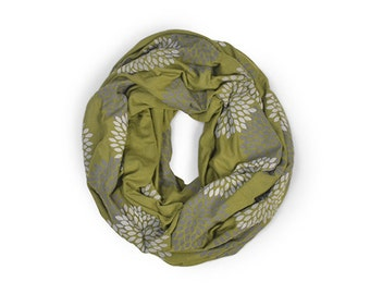 INFINITY SCARF - Gray Double Flowers on Olive Green