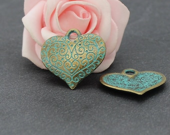 8 27 x 26 mm BRB213 patinated bronze metal heart charm