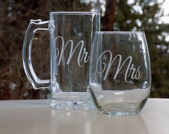Mr and Mrs Personalized Wedding Glasses, Personalized Wedding Gift, Personalized Wedding Gifts for Couples, Customized Wedding Glasses