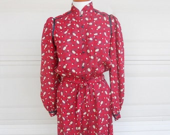 French Vintage Shirt Waist Dress . Art Deco Red Print Secretary Dress . Made in France