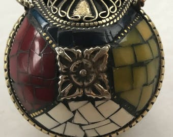 Brass – Turquoise and Coral Snuff Bottle/Containers/Holder/Locket