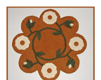 PDF pattern for a 16 inch WoolFelt table mat - penny rug: Climbing Roses