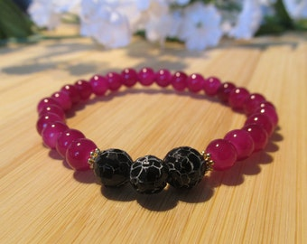 BRACELET fuchsia and black - glass beads - fine stone beads - golden finish separators
