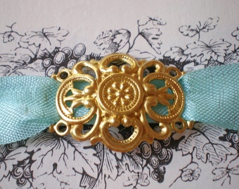 20 jewelry connectors  filigree raw brass victorian style 29mm 20mm