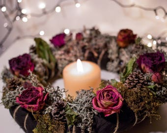 Christmas Wreath/Centrepiece with pine cones, lichens and roses