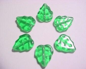 8 Kelly 15mm Ivy Leaf Beads