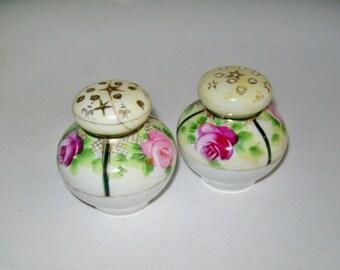 Vintage Salt and Pepper Shakers Porcelain Rose Design Gold Gilt Decorative Table Ware Serving