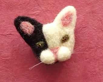 Needle felted cat brooch pin - felt animals - cat lady fun jewelry gifts -  cute little wool cat badge