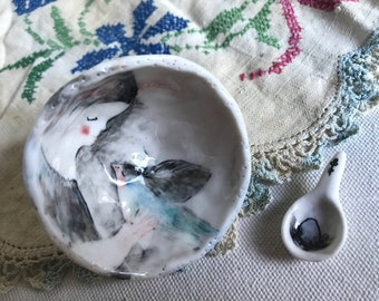 Pinched bowl with spoon 18