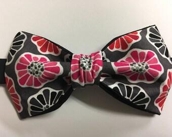 Handmade Mens Floral Bow Tie Pre-tied Adjustable Strap Pink/Grey