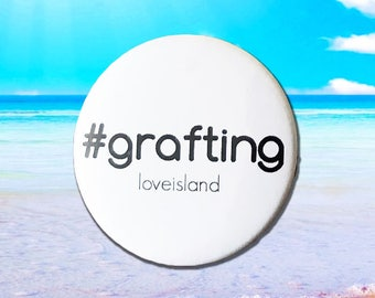 Love Island '#grafting' Badge