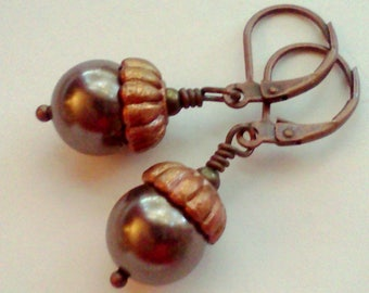 Acorn Earrings, Brown Pearl Earrings, Swarovski Pearls, Handmade Acorn Dangles, Autumn Jewelry, Fall Earrings, Acorn Dangle Earrings, Boho