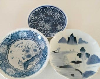 Blue White Plates / Decorative Plates / Cottage Home Decor / Mismatched Plates  / Asian Home Decor / Baby Shower Decor / Bridal Shower Decor