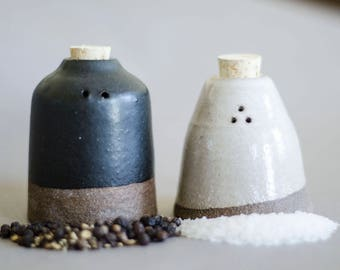 Salt and Pepper Set, Salt and Pepper Shakers, Handmade Ceramic Salt and Pepper Shakers, Mothers Day Gift, Foodie Gift, Housewarming Gift