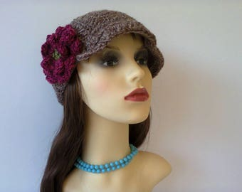 Womans Crochet Hat, One size peak cap style beanie, Brown crochet beanie hat, Newsboy crochet hat with brim