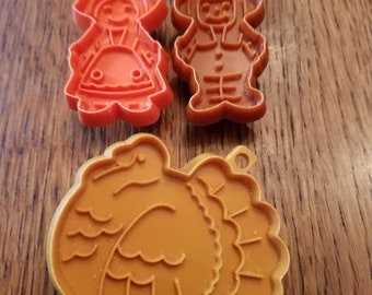 Set of 3  Plastic Thanksgiving   Cookie Cutters. Turkey and Pilgrims