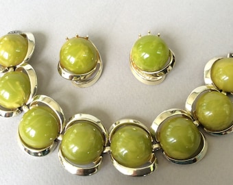 Bakelite Marbled Lime Green/Chartreuse Bracelet and Clip On Earring Jewelry Set