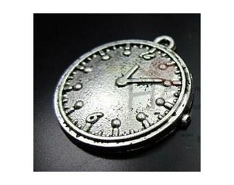 AB2316 - Silver Plated Steampunk Victorian Clock Pendant Embellishment