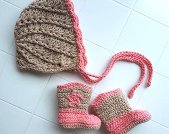 Baby girl bonnet and boots, gift for baby, baby girl cowboy boots