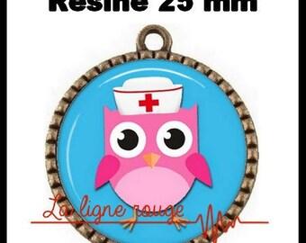 Bronze Cabochon pendant round 25 mm epoxy - owl (2252) - nurse, doctor, medical