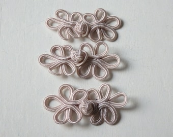 Chinese knot button closures - THREE pairs of ivory beige decorative knot buttons, Chinese knot ties, Chinese knot buttons, frog buttons - 3