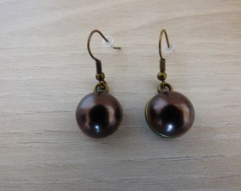 EARRINGS BRASS METAL AND DOME BROWN