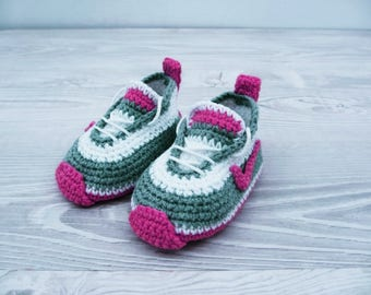 Crochet baby shoes Baby sneakers Baby booties Newborn baby shoes Baby photo prop Baby shower Baby slippers, Baby handmade shoes, Baby gift,