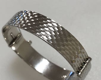 Beautiful Vintage Solid Sterling Silver hammered cuff bracelet bangle hallmarked 1966