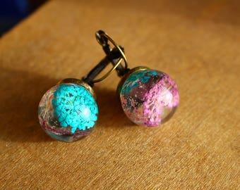 Resin ball earrings mini flowers nature